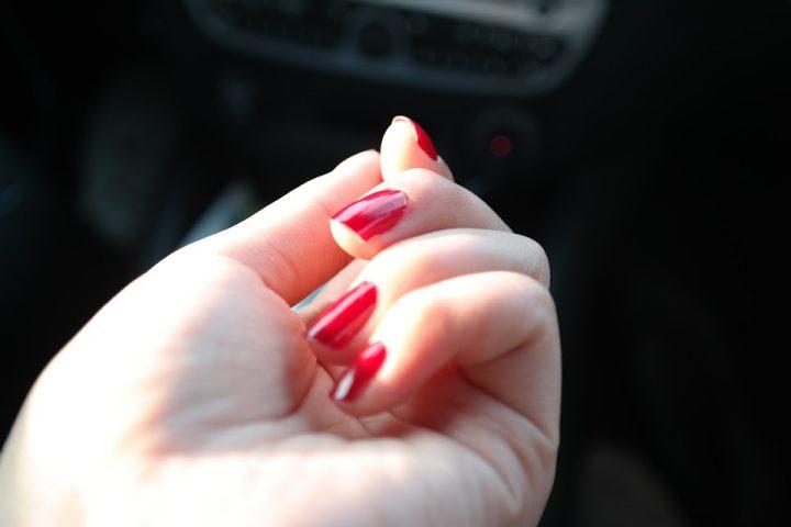 Zanim pomalujesz paznokcie